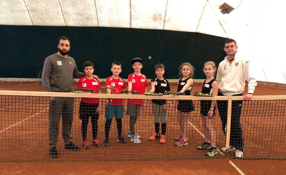 Jucătorii moldoveni de tenis, locul 3 la un turneu pe echipe în România