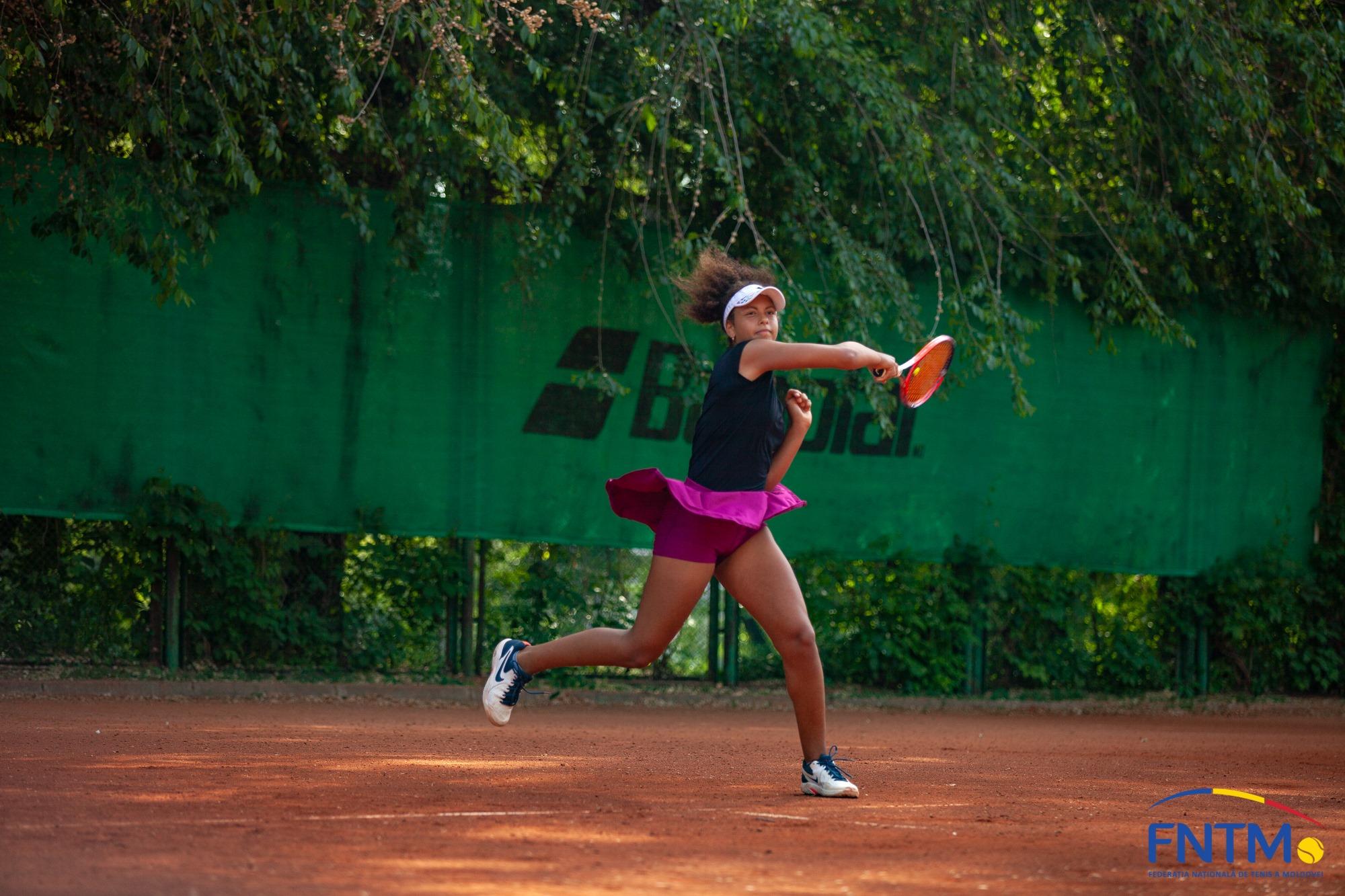 Ukrainian Junior Open: Aliya Abbas și Anastasia Bozova, în sferturi de finală